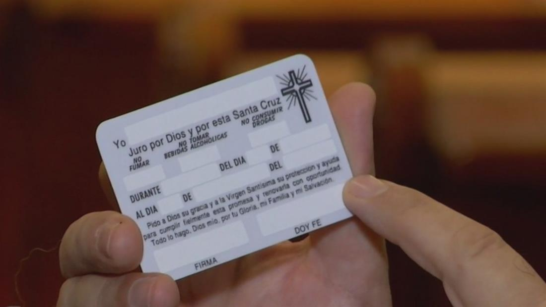 Fieles realizan juramentos escritos a la Virgen de Guadalupe