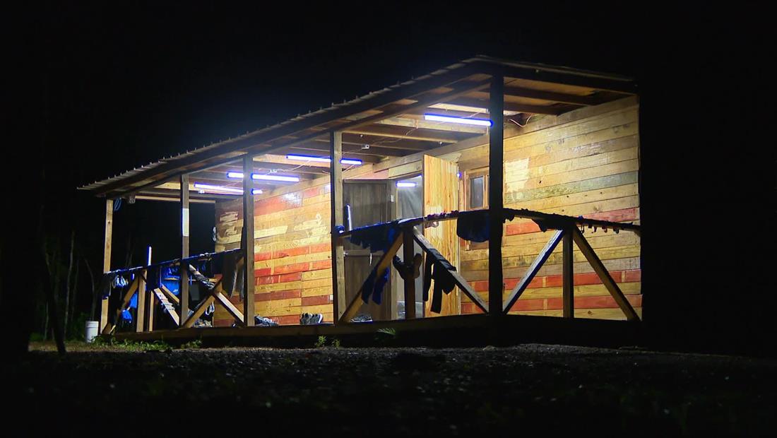 Exatlón EEUU 4: Contendientes se relajan con una fogata en la Cabaña