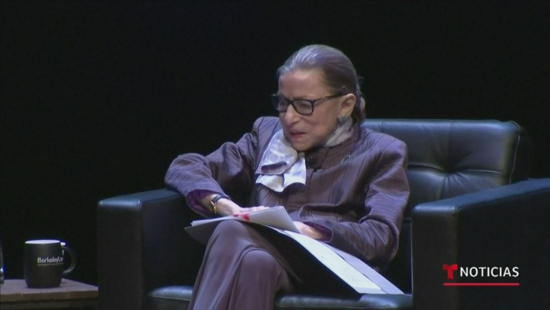 La jueza de la Corte Suprema, Ruth Bader Ginsburg, está de regreso a su casa tras pasar unos días en el hospital