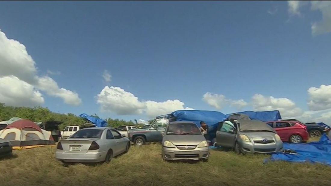 Puertorriqueños llegan al sur de la isla desbordados de suministros para los más necesitados
