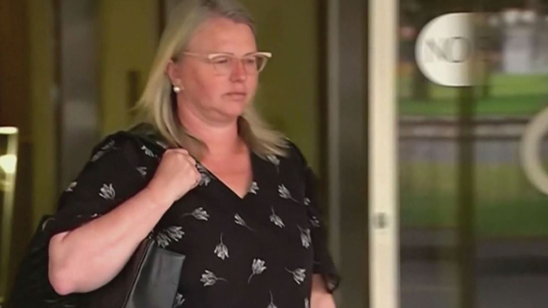 Mujer falsifica su currículum y ahora es condenada a prisión