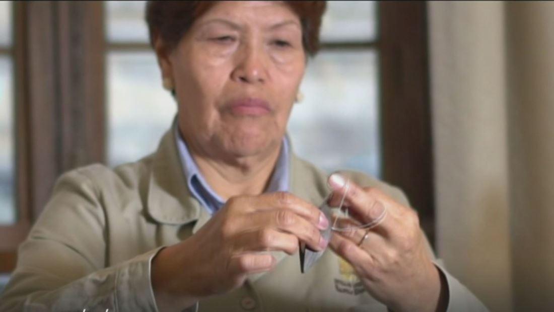 Esta colombiana preserva el legado de sus antepasados enseñando a tejer con nudos