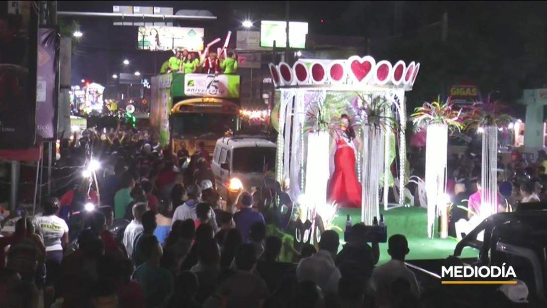 Un millón de personas asistieron al carnaval más grande de Centroamérica en El Salvador