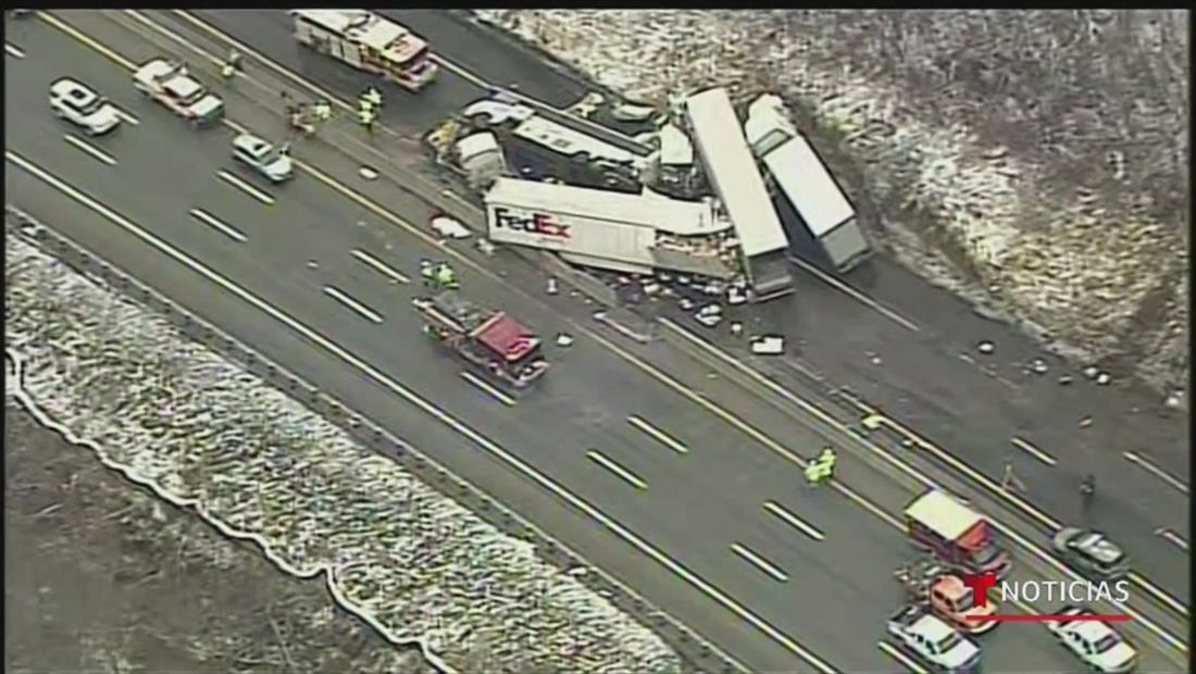 Accidente múltiple en autopista de Pensilvania deja 5 muertos y 60 heridas