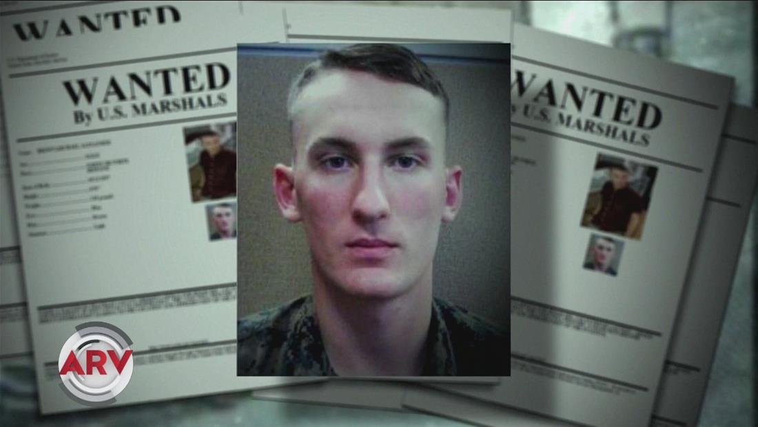 Buscan a desertor de la marina sospechoso de matar al novio de su madre
