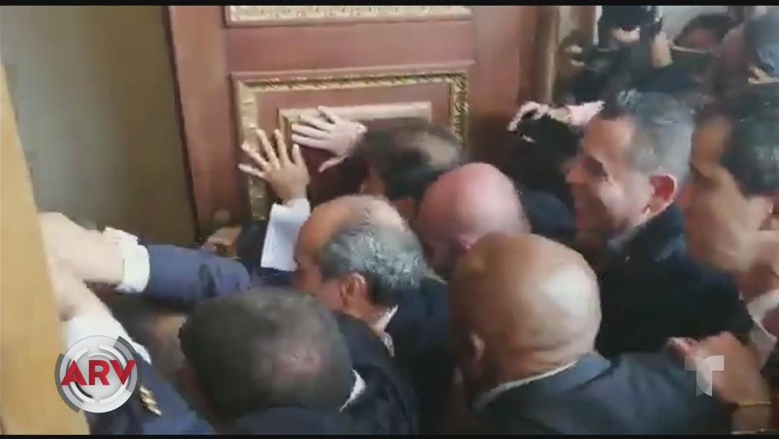 Congresistas opositores retoman el parlamento en Venezuela