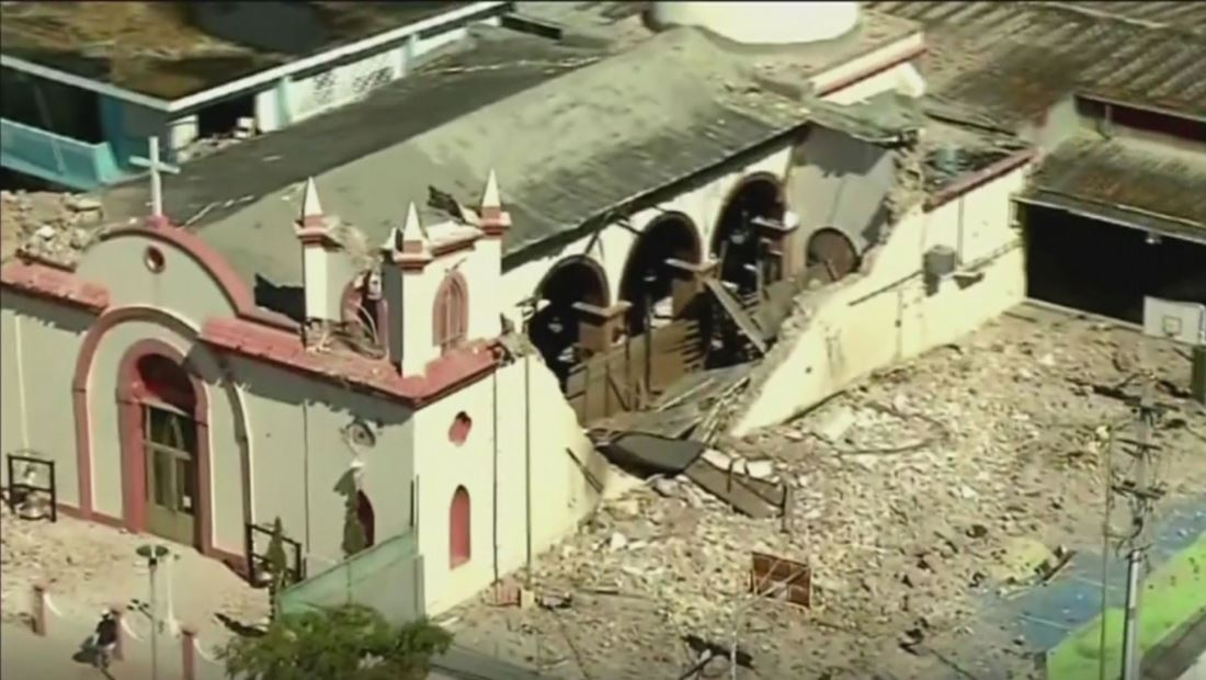Recorrido aéreo muestra la destrucción provocada por terremoto en Puerto Rico
