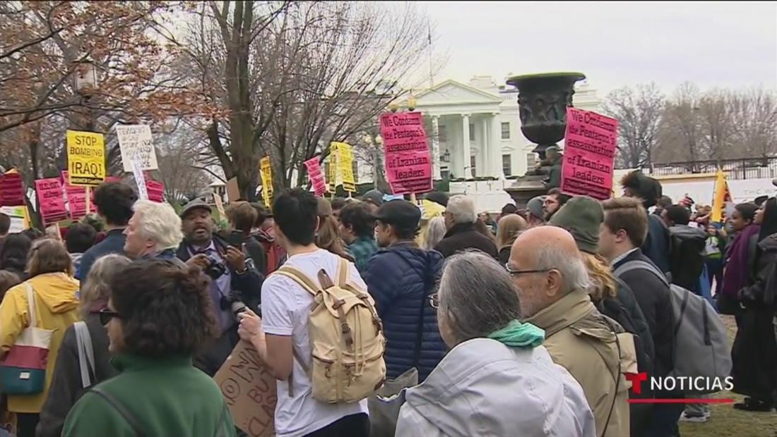 Ola de manifestantes salen a las calles de Nueva York y Washington DC para protestar la decisión de eliminar a Soleimani