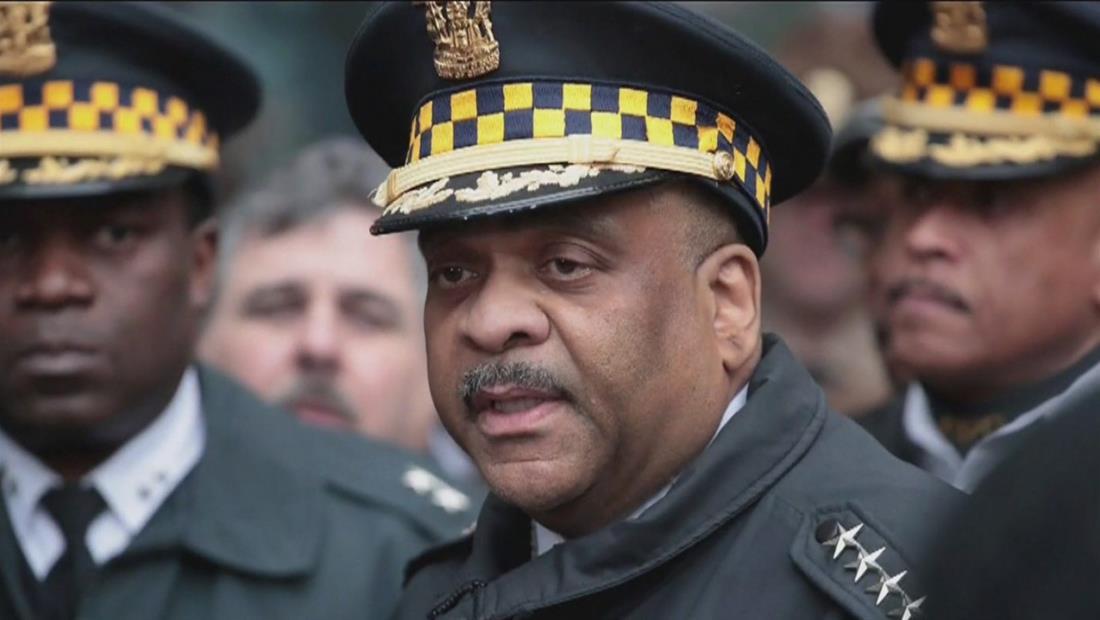 Alcaldesa de Chicago despide a jefe de la policía y desata el escándalo