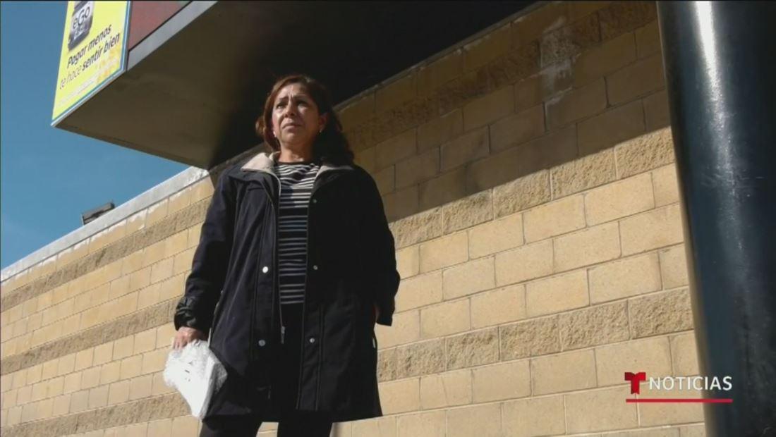 No se salva de la deportación la madre de un oficial del Ejército