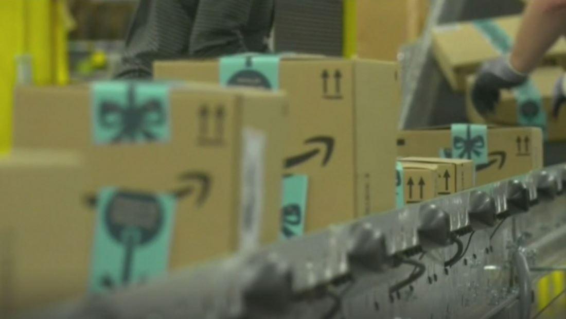 Se acercan las fechas límites para que las compañías de paquetería puedan entregar los regalos a tiempo esta Navidad