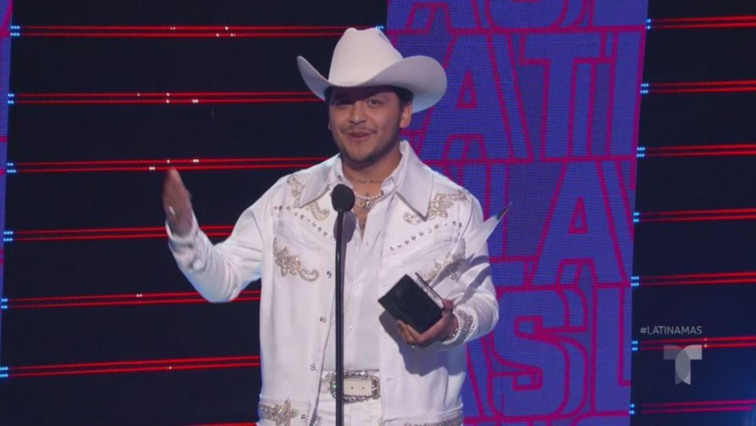 Christian Nodal gana el premio Canción Favorita Regional Mexicano | Latin AMAs 2019