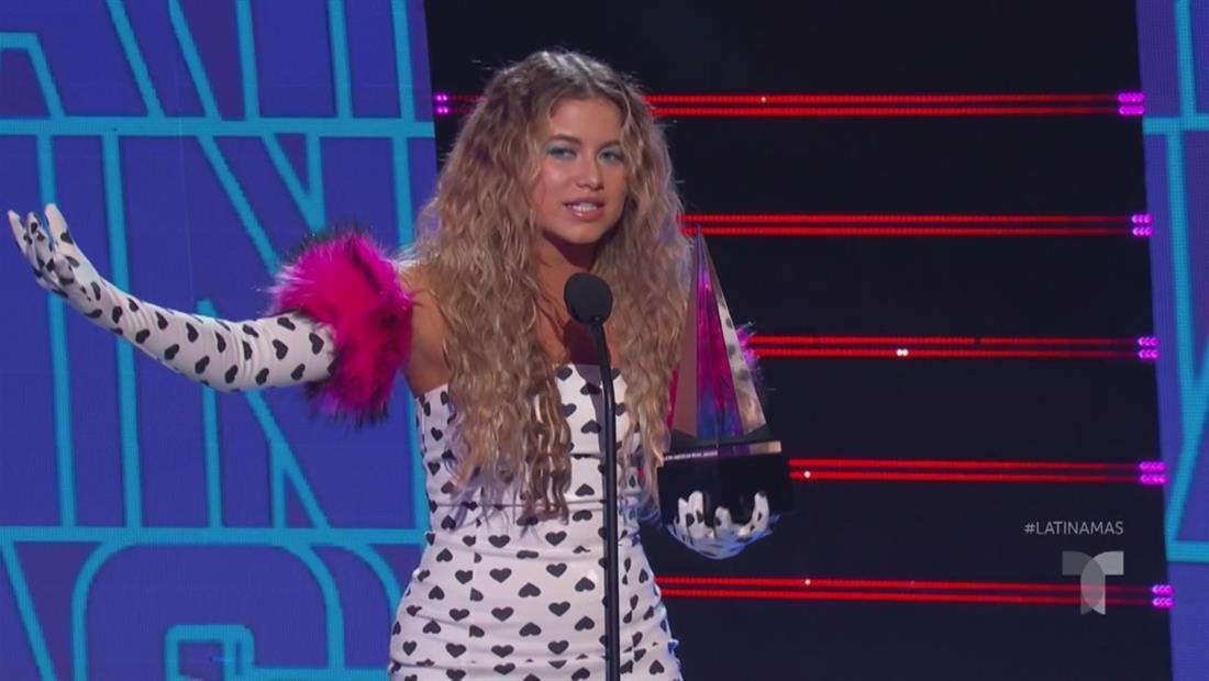Sofía Reyes gana el premio Video Favorito en los Latin AMAS 2019