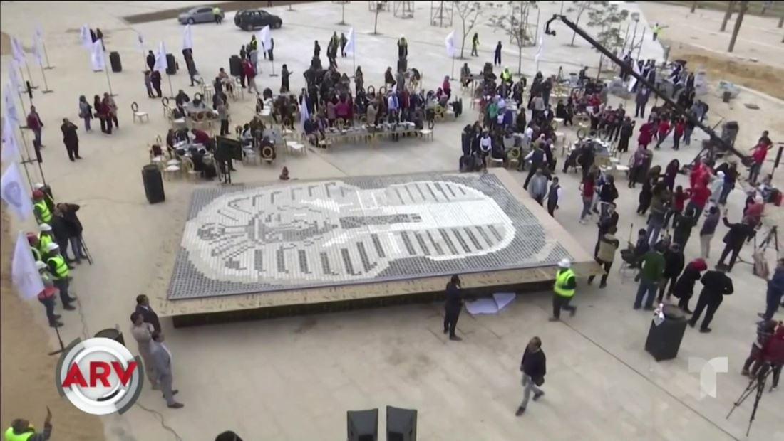 Gigantesco Mosaico egipcio establece un Récord Guinness