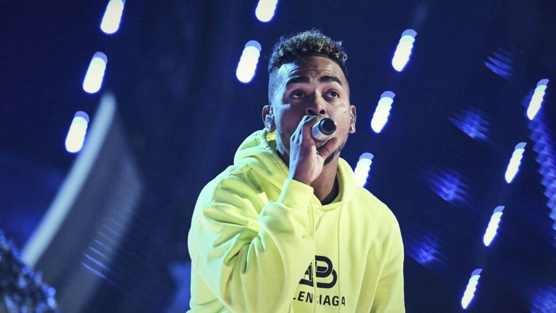 Ozuna performs during the 2019 Latin AMAs rehearsals