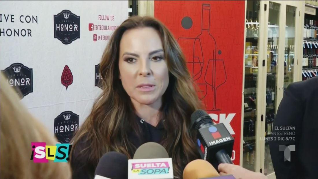 Kate del Castillo entiende porqué al 'Grinch' no le gusta la Navidad (VIDEO)
