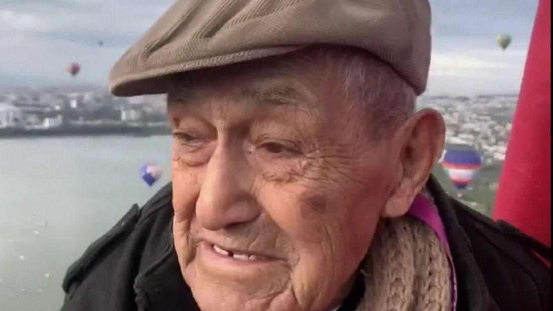 Un abuelo de 106 años cumple su sueño de volar en globo aerostático