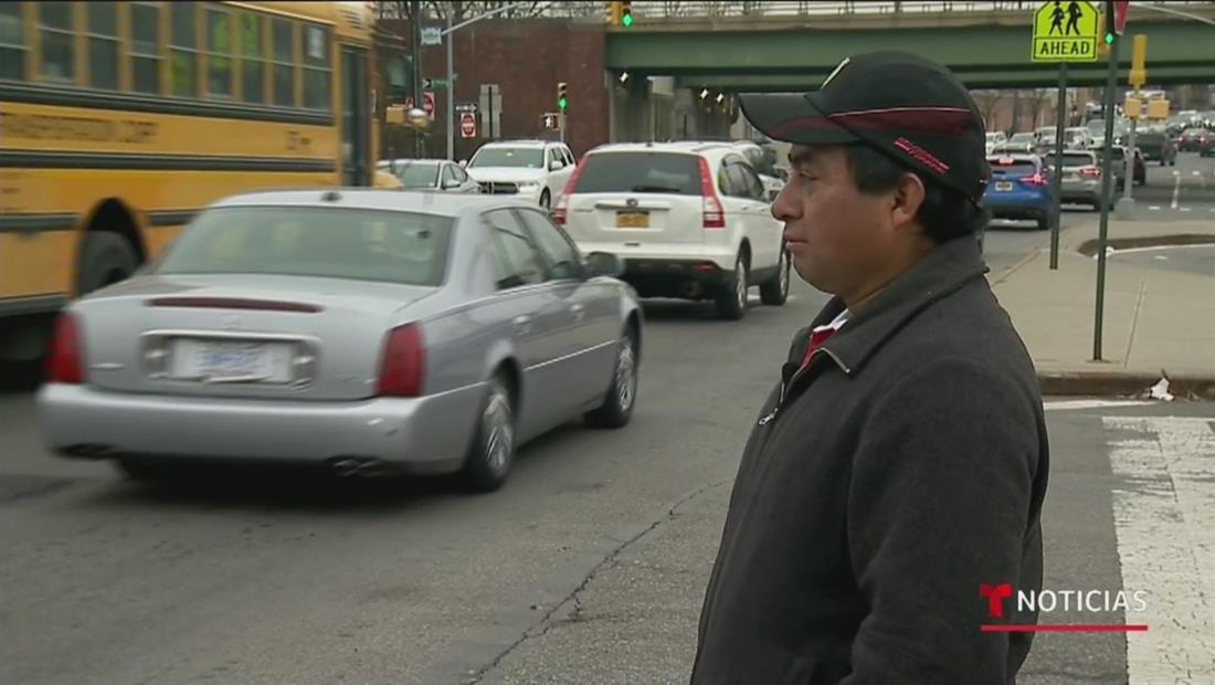Indocumentados podrán conducir legalmente en Nueva York tras aprobación de la 'ley de luz verde'