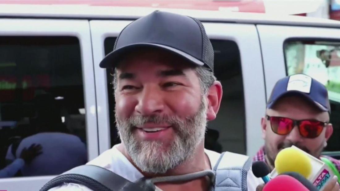 Eduardo Santamarina es un experto en ¿pompas? (VIDEO)