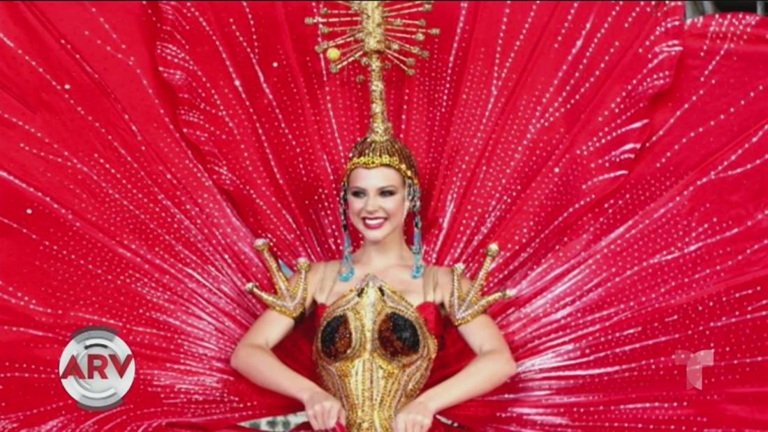 Miss Puerto Rico presenta el coquí y la flor de maga como traje típico