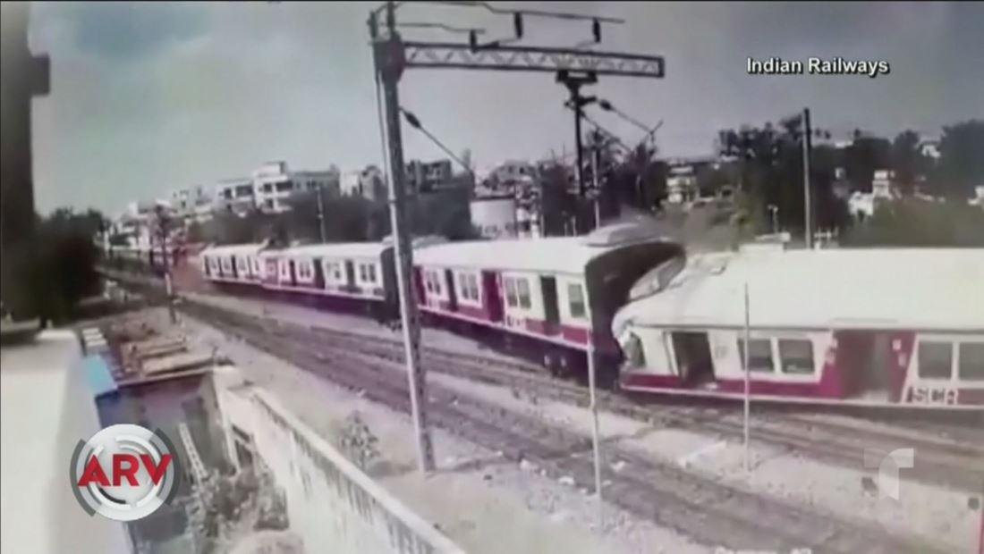 Dos trenes llenos de pasajeros chocan de frente y dejan varias personas heridas