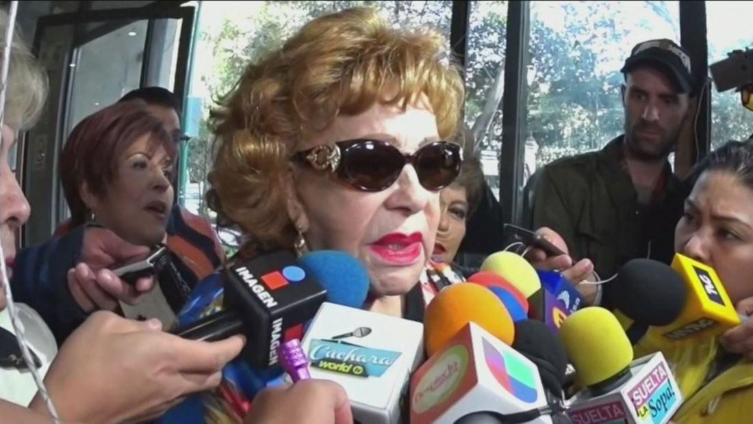 Silvia Pinal le contesta a quiénes critican a su hija Alejandra Guzmán