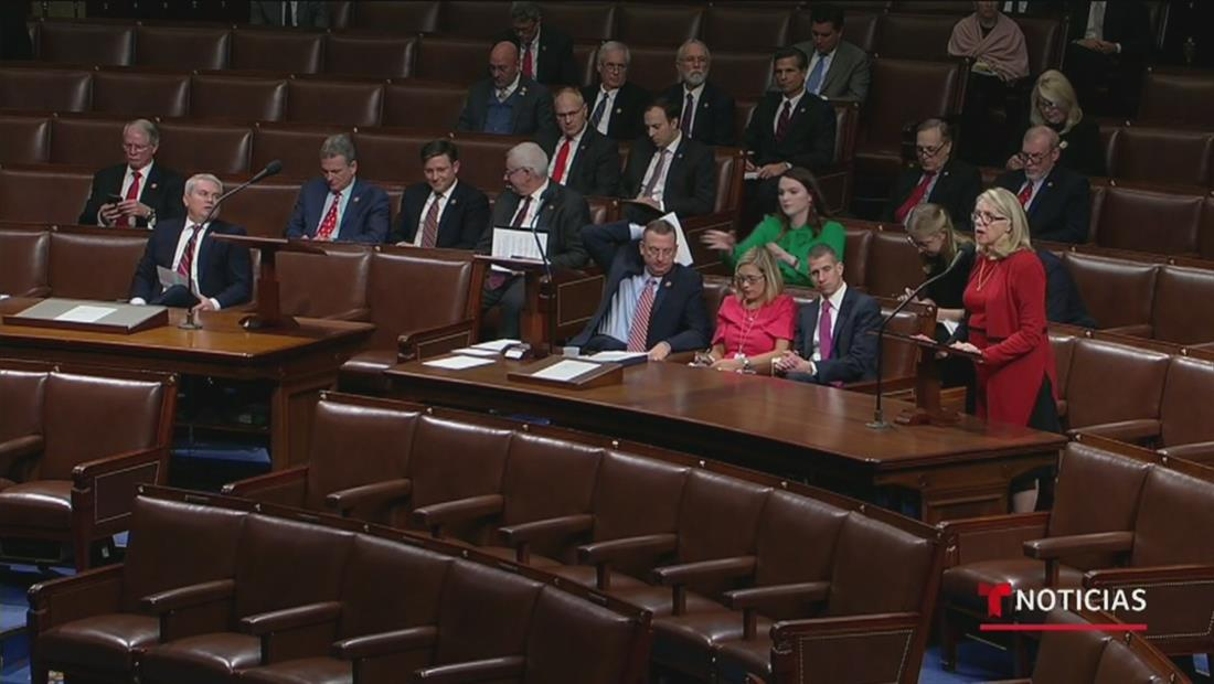 Continúa la histórica votación para decidir el 'impeachment' contra Donald Trump