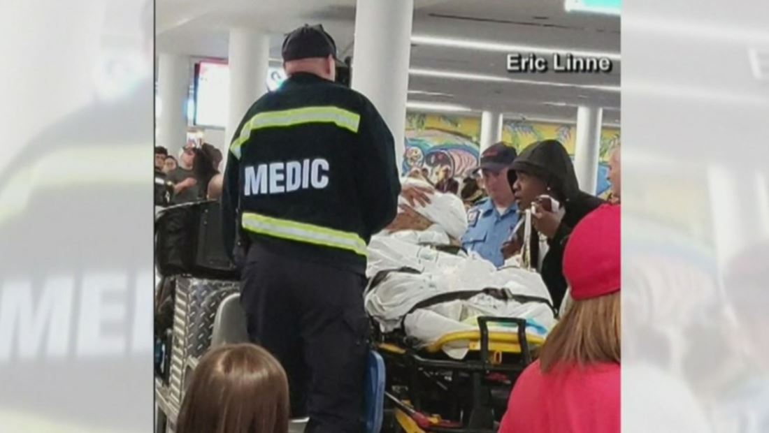Mujer da a luz en pleno aeropuerto de Charlotte durante día de Acción de Gracias