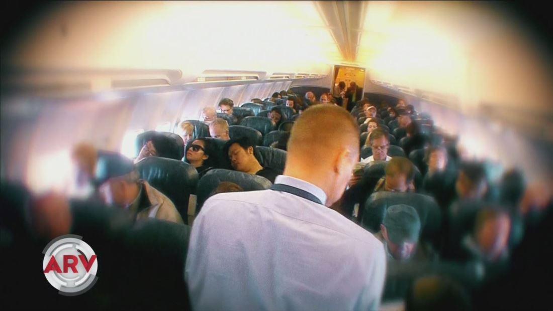 Comida en aviones podría presentar riesgos según expertos