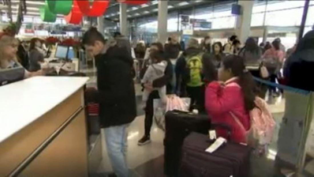 116 millones de viajeros: Se espera congestionamiento récord en aeropuertos y carreteras tras viajes navideños