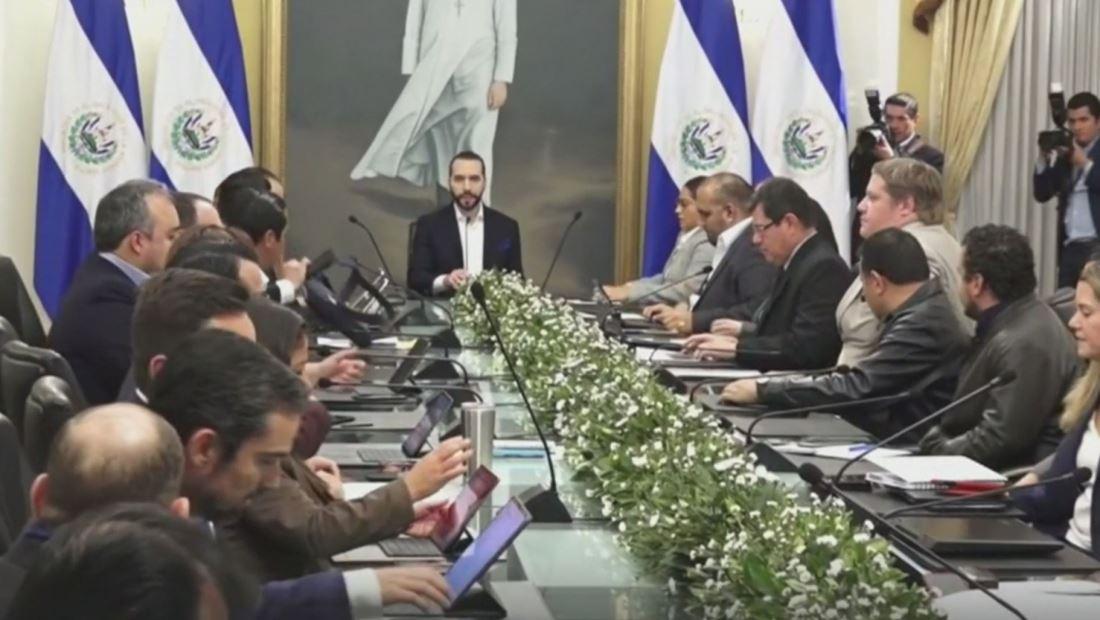 El Salvador busca modernizarse con un nuevo 'plan de despegue económico' impulsado por Nayib Bukele