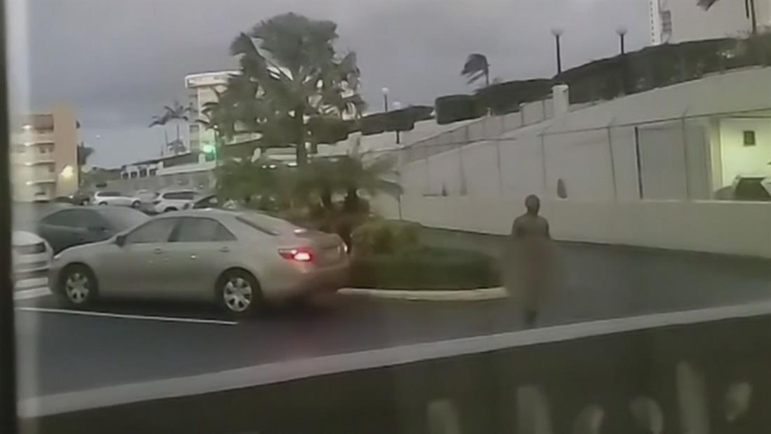 Hombre desnudo provoca intensa persecución policial en Florida