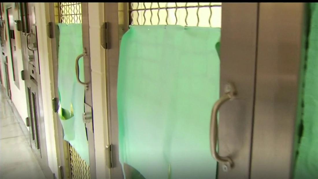 """""""Ya no aguanto"""": inmigrante guatemalteco lleva meses aislado en un centro de detención"""