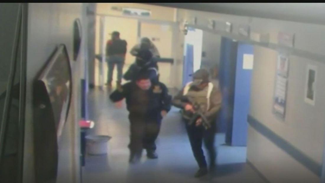 Grupo armado irrumpen hospital de México y se llevan a un paciente herido en tiroteo