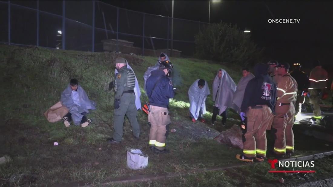 Inmigrantes quedan atrapados en una alcantarilla en su intento de llegar a EE.UU.