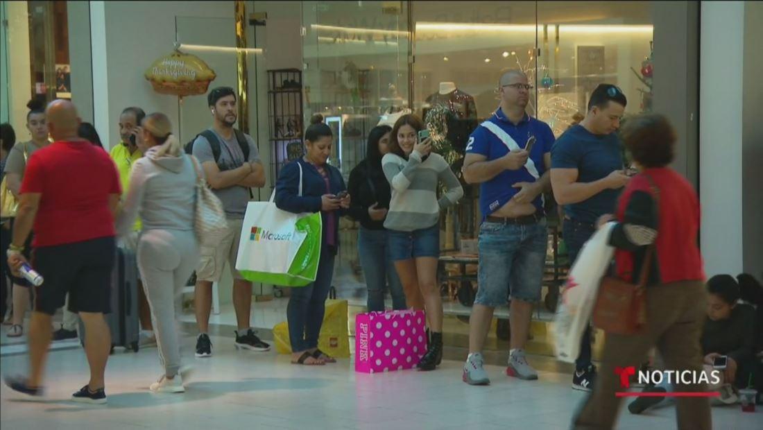Ventas del 'Black Friday' por internet facilitaron las compras en las tiendas