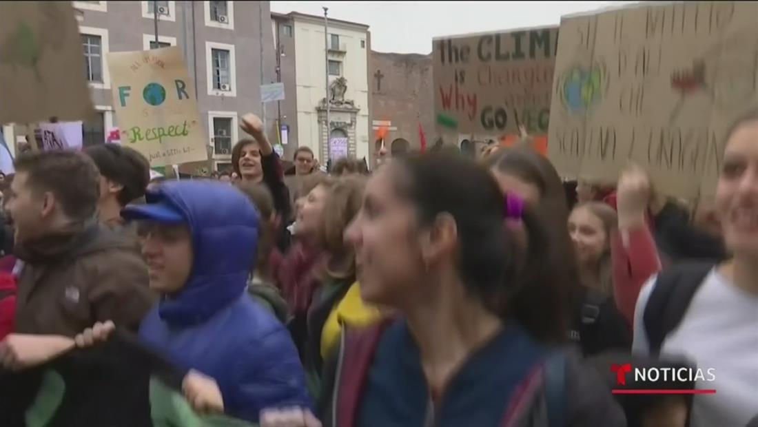 Miles de manifestantes alzaron su voz en todo el mundo para advertir sobre la emergencia climática