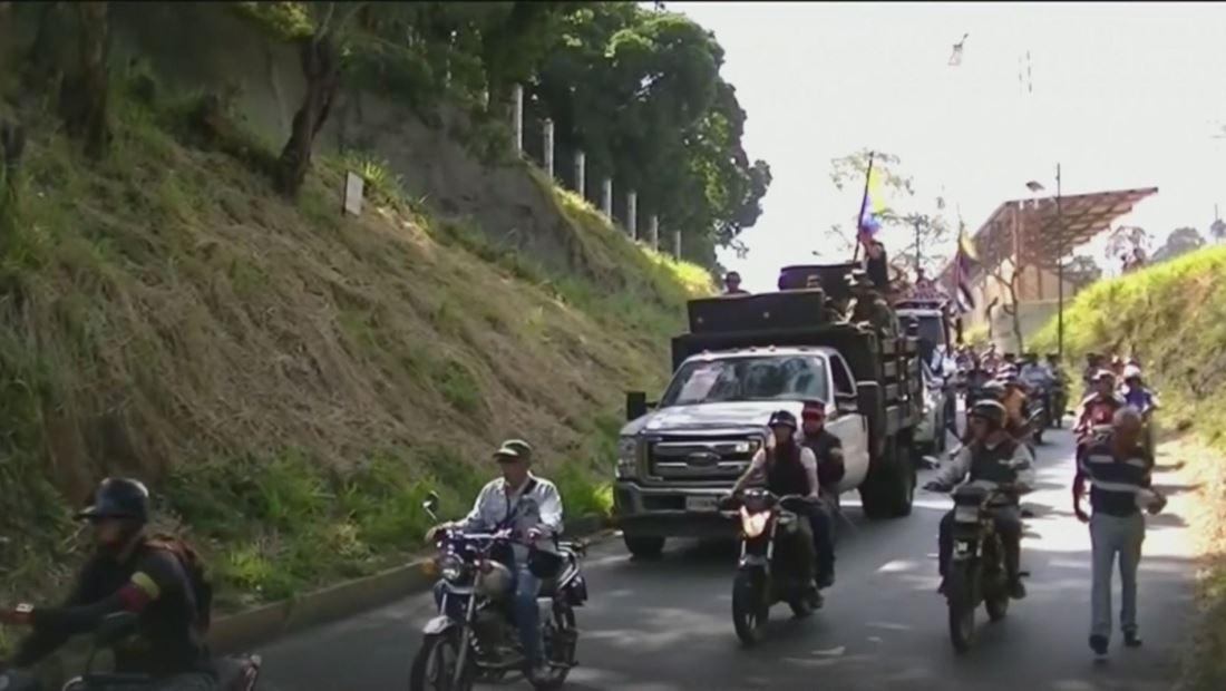 Crece el temor de los venezolanos a los 'colectivos', grupos armados que defienden el chavismo