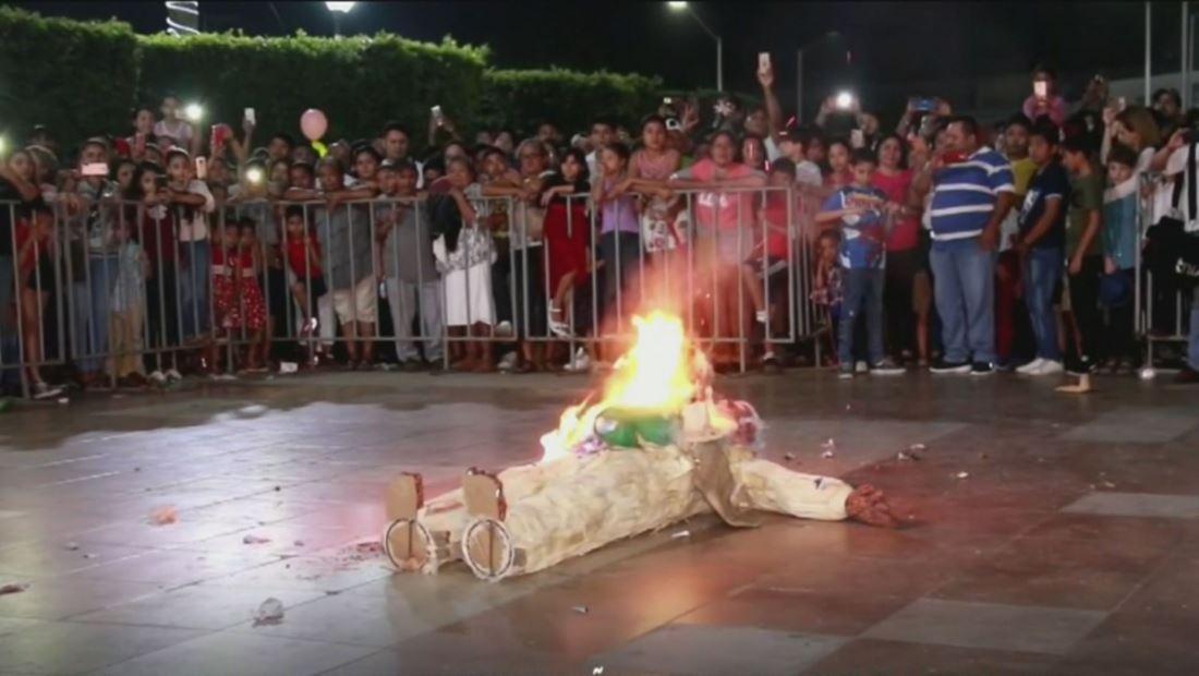 Quemar muñecos, el ritual de fin de año para dejar atrás las malas vibras