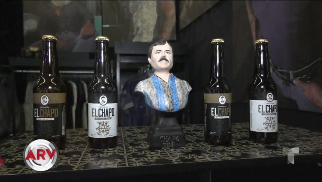 El Chapo Guzmán: Exhiben botellas de cervezas con su imagen