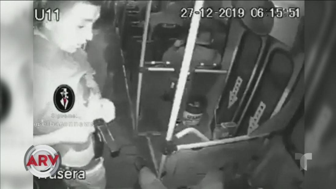 Insólito: un ladrón se dispara el mismo durante un atraco