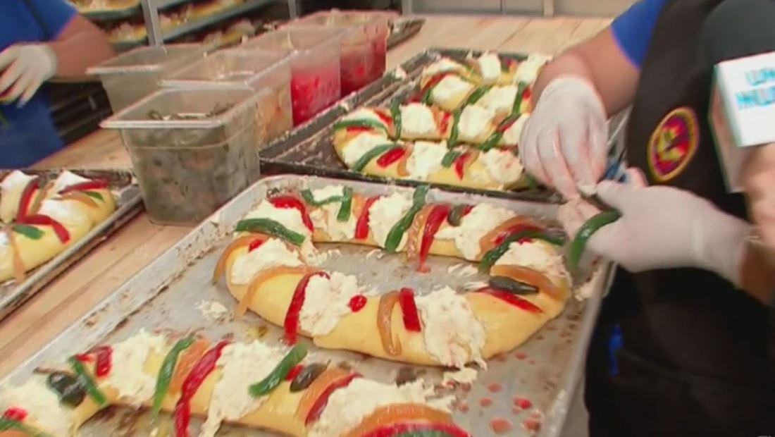 Una panadería en Los Ángeles prepara 5 mil Roscas de Reyes