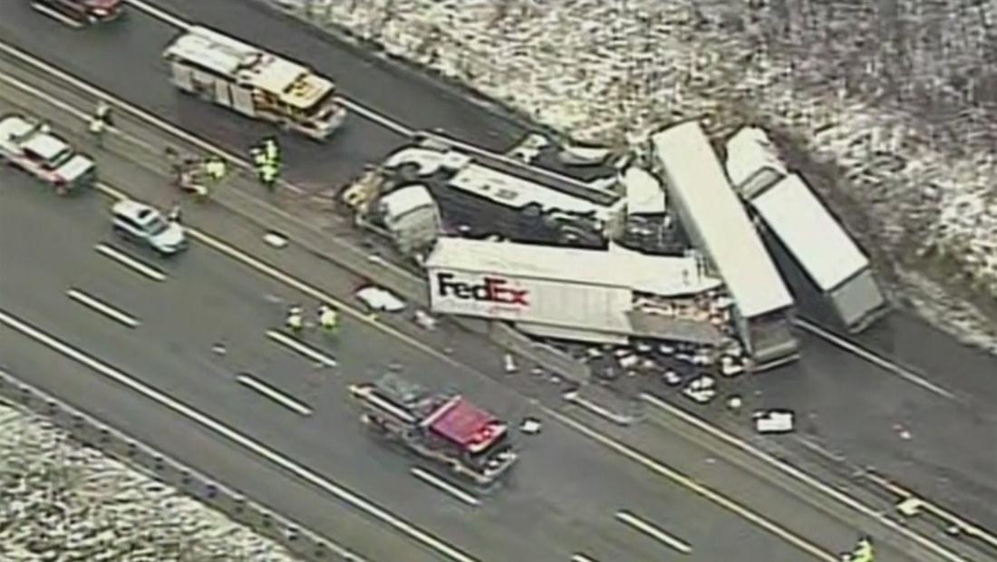 Se estrella autobús de pasajeros dejando 5 muertos y 60 heridos