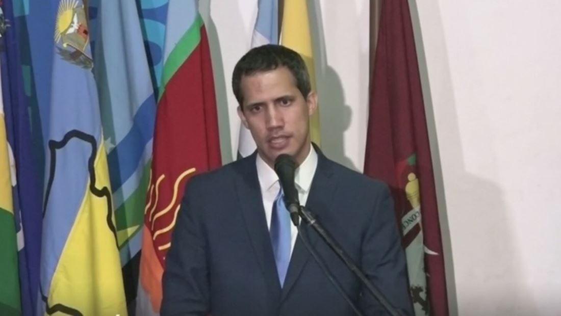 Un parlamento con dos presidentes, así amanece Venezuela tras una convulsa jornada