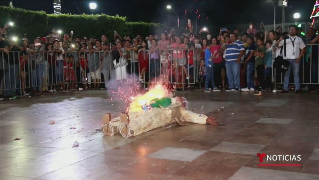 """En México queman las """"malas vibras"""" para recibir el Año Nuevo"""
