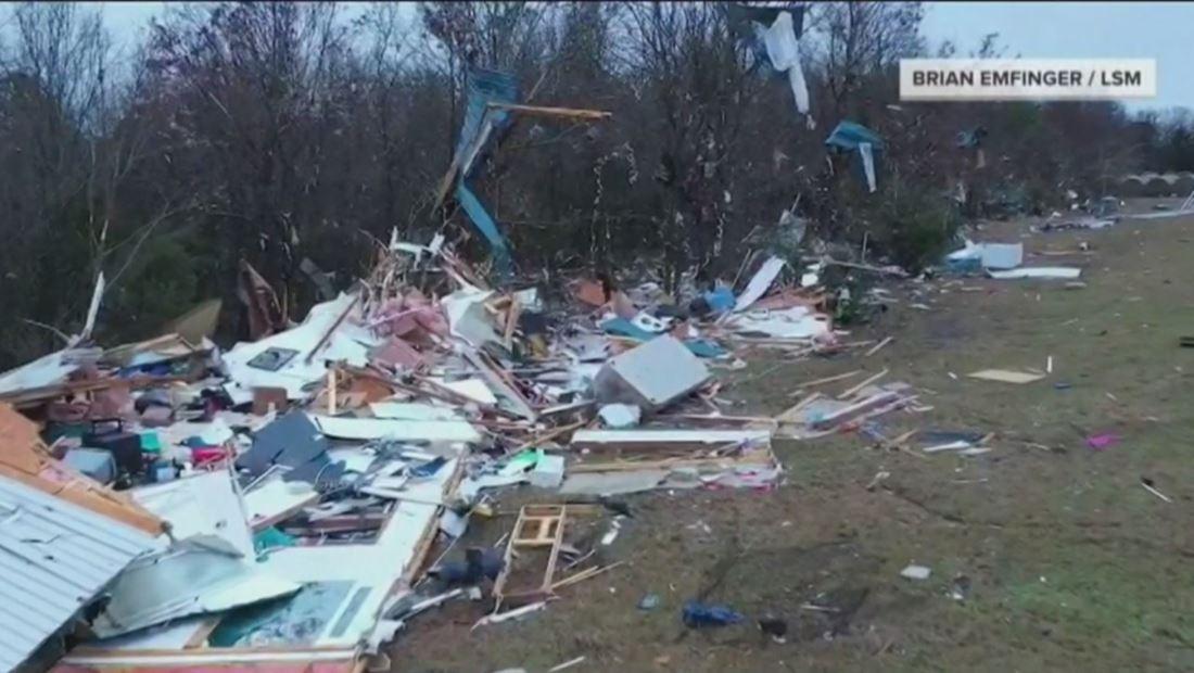 Poderosos tornados dejan muertes y graves destrucciones en EE. UU.