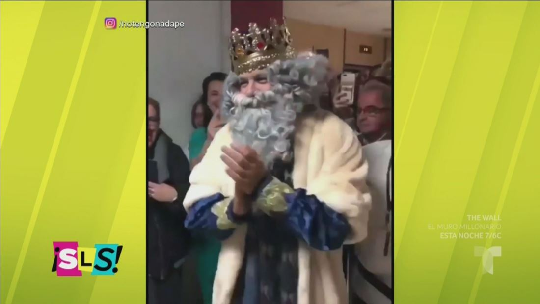Alejandro Sanz se disfraza de Melchor en una parada de Reyes Magos
