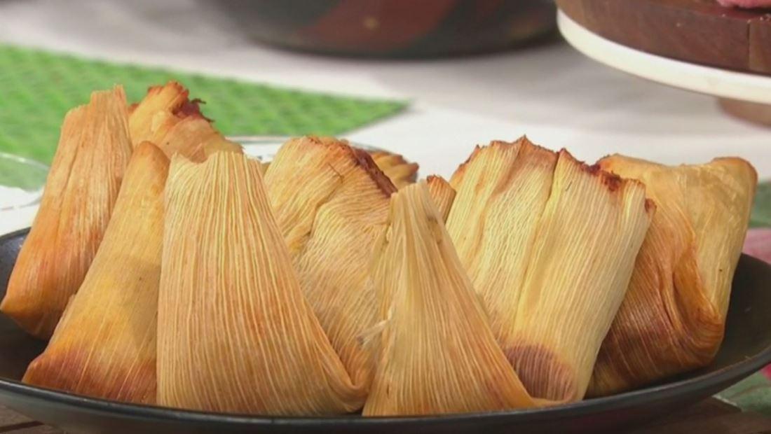 Tamales De Cerdo Con Salsa Roja Receta Tradicional De La