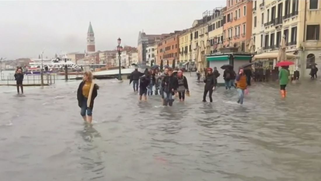 Venecia sufre la peor inundación en más de 50 años