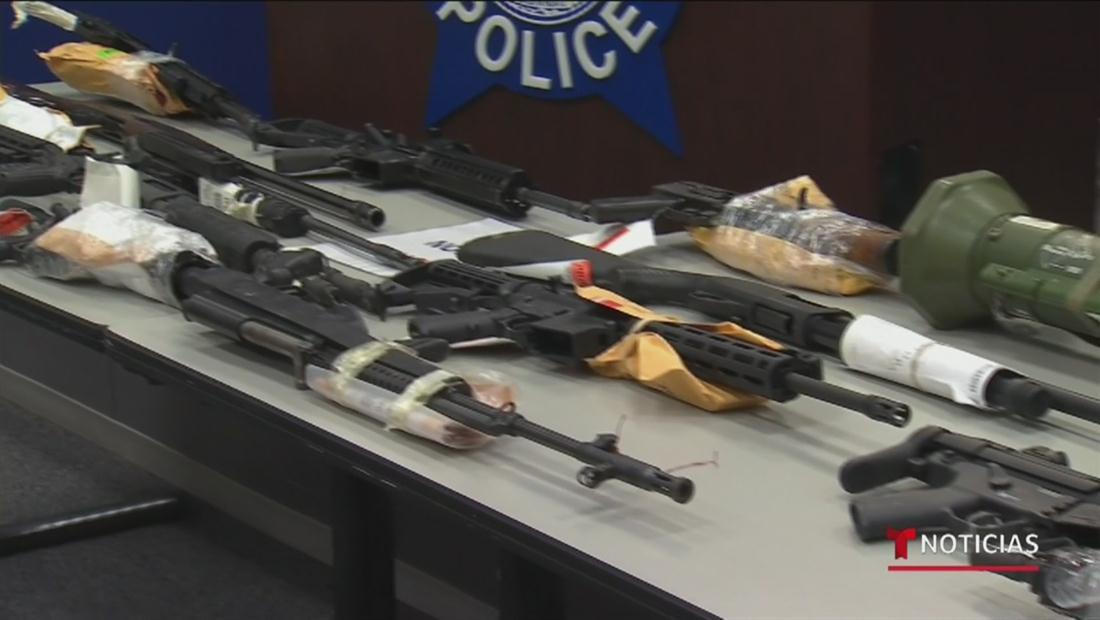 1 arma confiscada cada 48 minutos: Víctimas y activistas de Chicago exigen un mayor control de armas